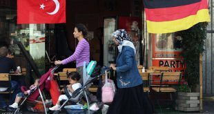 ألمانيا تحقق مع 20 تركيا بتهمة التجسس