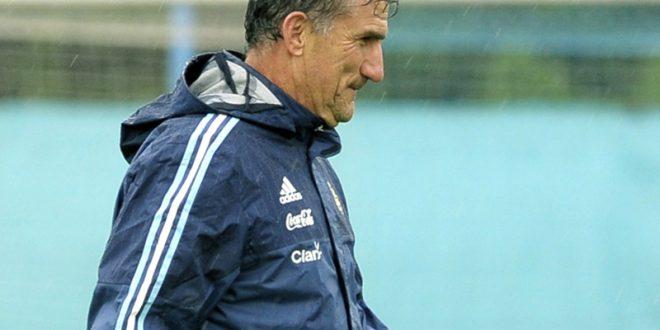 رسميًا | إقالة باوزا من تدريب الأرجنتين