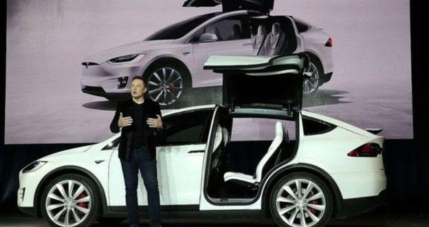 """قيمة السوق لسيارات """"تيسلا"""" الكهربائية تتجاوز """"فورد"""""""