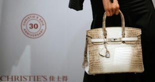 حقيبة يد تباع بثمن قياسي في مزاد