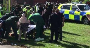إصابة 6 في حادث اصطدام سيارة بالمارة بعد صلاة العيد شمال انجلترا
