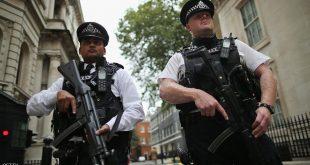 لندن.. استجواب رجل اعتقل قرب قصر باكنغهام