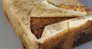 """العثور على كعكة """"تاريخية"""" قابلة للأكل في بريطانيا"""
