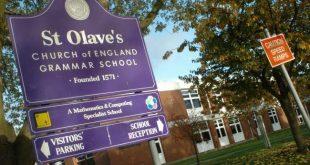 مدرسة نحوية تطرد الطلاب الذين لم يحصلوا على درجات عالية بشكل غير قانوني في لندن