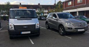 """بالصور سائق مزعج يركن سياراته بطريقة مزعجة في موقف للسيارات في """"هارو"""" غرب لندن فما رأيكم؟"""