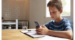 """أب بريطاني يخترع تطبيق لحل مشكلة تجاهل """"مكالمات الأب"""""""