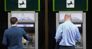 رفض الحسابات البنكية الجديدة لكل واحد من 10 أشخاص في بريطانيا بسبب عدم التحقق من حالة الهجرة