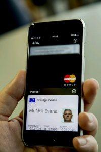 """ماذا سيغير التطبيق الذي ستطلقه """"DVLA"""" للهواتف الذكية على رخص قيادة السيارات؟"""