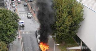 بالصور .. إنفجار مروع لسيارة BMW  في شارع شرق لندن