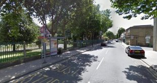 """العثور على طفل حديث الولادة في حديقة نيوهام """"Newham Park"""" شرق لندن"""