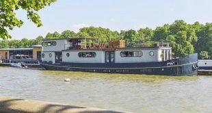 بالصور زورق فاخر يرسو في نهر التايمز يعرض للبيع بمبلغ 2.5 مليون جنيه استرليني