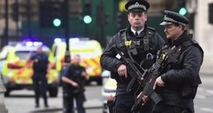 شرطة لندن: مقتل 3 مراهقين بعد أن دهستهم سيارة أثناء وقوفهم قرب محطة حافلات