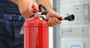 سحب 170.000 مطفأة حريق في بريطانيا وسط مخاوف من أنها لا تعمل في حالات الطوارئ