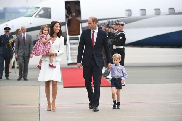 كيف تدل صور الأمير ويليام مع أطفاله على مستقبل العائلة الملكية البريطانية؟