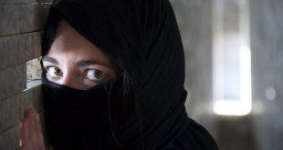 القبض على امرأة بريطانية قادمة من سوريا في مطار هيثرو للإشتباه في إنها إرهابية