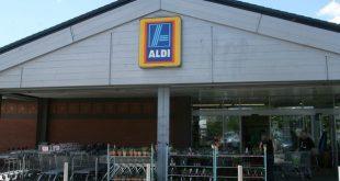 موظفي متجر ألدي Aldi يفحصون المنتجات بسرعة كبيرة .. فهل هذا ميزة أم عيب؟