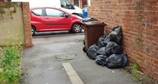 تغريم امرأة 500 جنيه استرليني بعد تصويرها وهي تلقي القمامة في شارع وراء منزلها