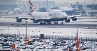 الثلوج تتسبب في إلغاء عشرات الرحلات الجوية في مطارات المملكة المتحدة