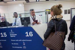 البريطانيون يضطرون لدفع 6 جنيه استرليني تأشيرة للسفر إلى دول الاتحاد الأوروبي بعد خروج بريطانيا من الاتحاد