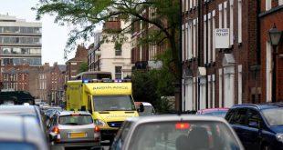 كيف يمكن إفساح الطريق لسيارة إسعاف أن يعرضك لغرامة قدرها 1000 جنيه استرليني؟