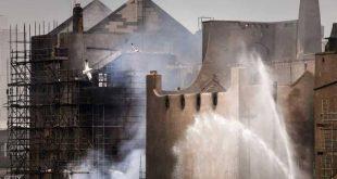 """حريق يلتهم """"تحفة معمارية"""" في اسكتلندا"""