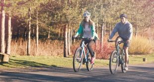 تعرف على الأخطاء التي يرتكبها معظم الآباء في دراجات أطفالهم .. وكيف يمكن تجنبها؟