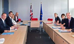 استمرار المحادثات في بروكسل حول خروج بريطانيا من الاتحاد الأوروبي