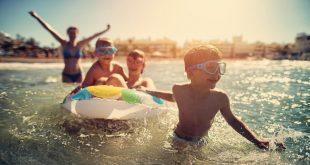 دراسة: الآباء يدفعون ما يصل إلى 170 جنيه استرليني في الأسبوع لرعاية الأطفال خلال العطلة الصيفية