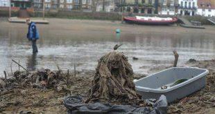 ملايين المناديل المبللة تتدفق إلى نهر التايمز وتتسبب في كابوس