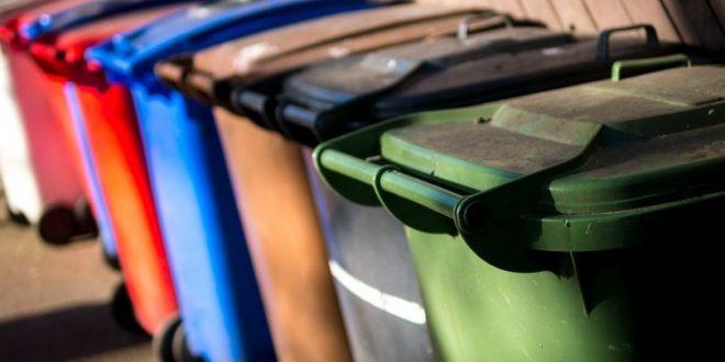 بلدية بارنيت تعتذر للسكان عن أسابيع من الفوضى في جمع القمامة