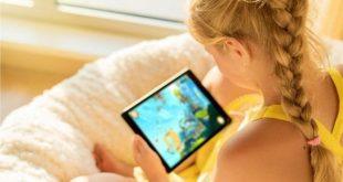 تعرّف على توجيهات المسؤولين الطبيين البريطانيين للآباء حول   استخدام الأجهزة الذكية من قبل الأطفال !