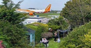 """الطائرات تقلع بجوار المنازل.. سكان لندن يعيشون كابوس تجديد مطار """"ساوث إند"""""""