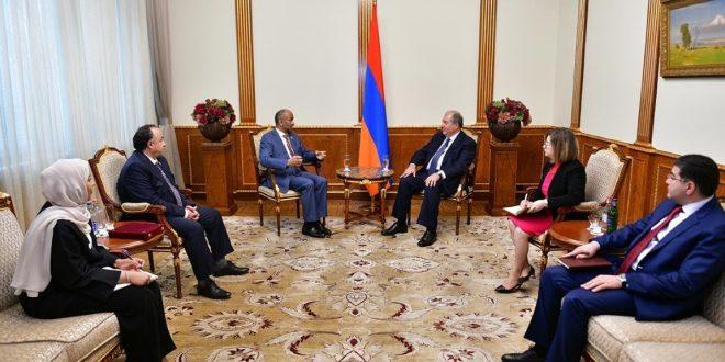 رئيس المجلس العالمي للتسامح والسلام يزور جهات رسمية وأكاديمية في أرمينيا