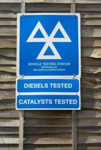 كيف تتحقق من انتهاء صلاحية شهادة MOT لسيارتك وهل سيتم إلغاء الاختبار؟