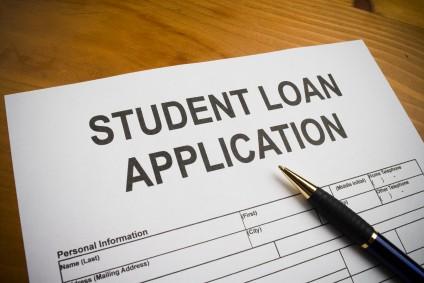 كل ما تريد معرفته عن القروض الطلابية في بريطانيا !