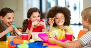 كيف يمكنك إعادة أطفالك إلى الروتين المدرسي اليومي بعد العطلة الصيفية؟