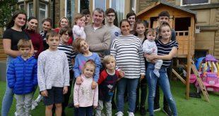 بالصور و الفيديو... أكبر عائلة في بريطانيا تنتظر مولودها الـ 22