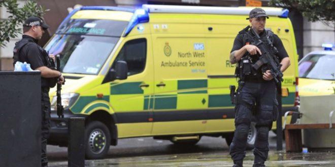الشرطة البريطانية تعلن عن حادثة طعن في مانشستر وإصابة 4 أشخاص