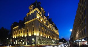 مستثمرون سعوديون يعلنون رغبتهم في شراء فندق ريتز في لندن.. كم ستبلغ قيمة الصفقة؟