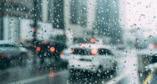 "AA"""" تقدم نصائح حول كيفية القيادة بأمان في الرياح الشديدة والأمطار الغزيرة"