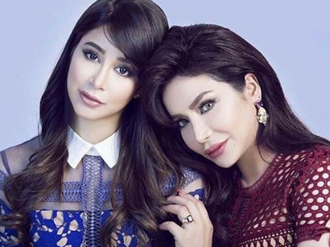 صدمة في صفوف الجمهور بعد انتشار صورة قديمة للشقيقتين لجين وأسيل عمران