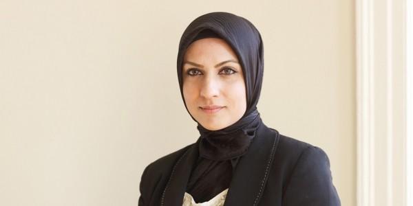 """الحكومة البريطانية تعين """"رافيا أرشد"""" كأول قاضية مسلمة محجبة في البلاد"""