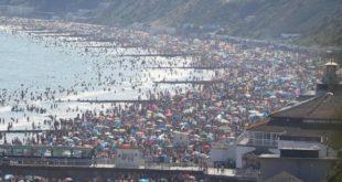 شواطئ بريطانيا تعجّ بالسكان قبل انتهاء جائحة كورونا.