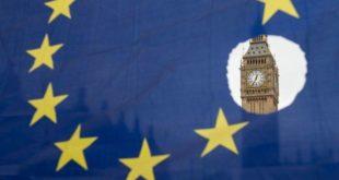 """بريطانيا تمنح الشركات """"6.2 مليار دولار"""" لتحسين اختبارات كورونا."""