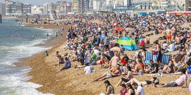 الارصاد الجوية تحذر من ارتفاع غير مسبوق في درجات الحرارة في بريطانيا