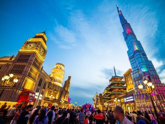 دبي تعيد فتح المزيد من مناطق الجذب العائلية الكبرى
