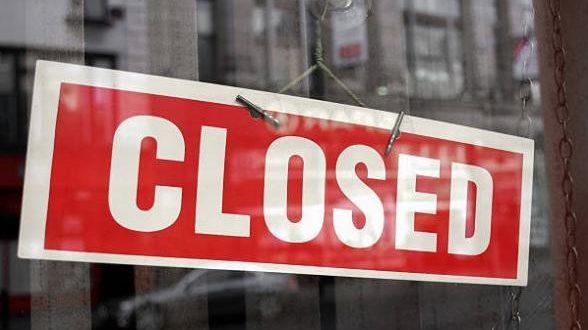 فيروس كورونا يدفع إغلاق المتاجر إلى رقم قياسي جديد