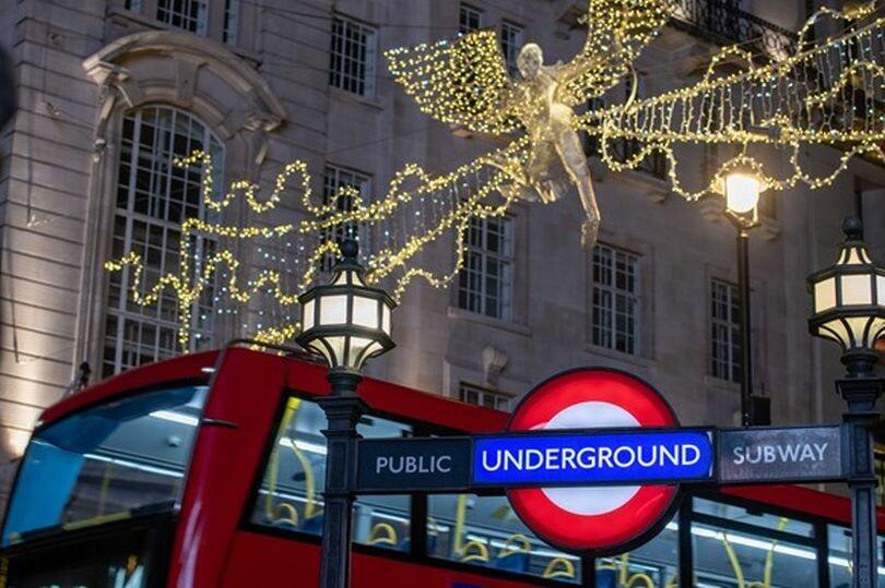 مواعيد عمل خاصة لمترو الأنفاق والحافلات في لندن خلال فترة عيد الميلاد