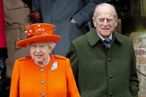 قريباً. الملكة إليزابيث وزوجها يتلقيان لقاح الكورونا
