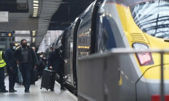 القطار السريع بين لندن وامستردام قد يتوقف قريباً بسبب احتمال افلاس يوروستار